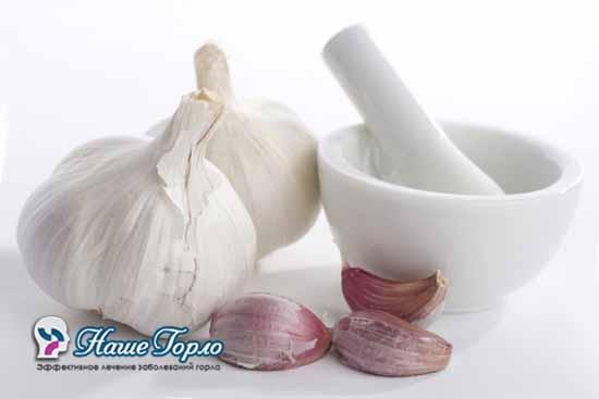Лечение ангины чесноком
