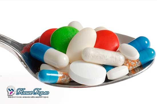 Прием антибиотиков при ангине