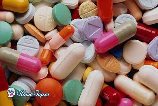 Таблетки при ангине